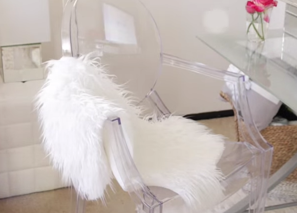 diy faux sheepskin throw- DIYscoop.com
