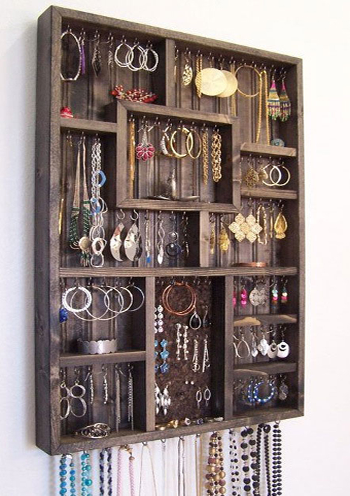 shadow box jewelry organizer-DIYscoop.com