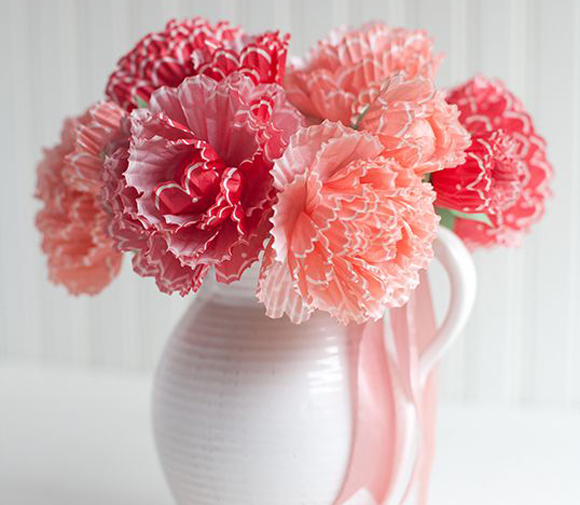 paper peonies with cupcake wrappers- DIYscoop.com