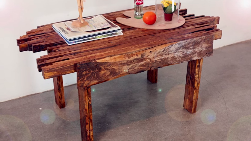 Video beautiful diy coffee table with full video for Pallet coffee table instructions