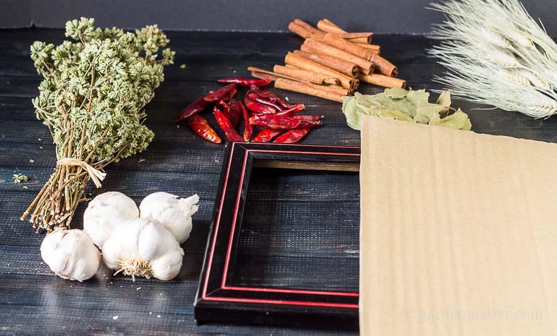 Materials-Kitchen-Spice-Wreath-gardenmatter.com_