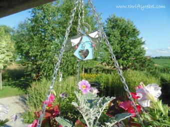 angel on hanging basket- DIYscoop.com