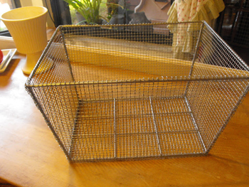 vintage basket with chicken wire- DIyscoop.com
