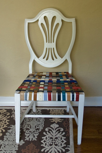 chair with belts for seat- DIYscoop.com