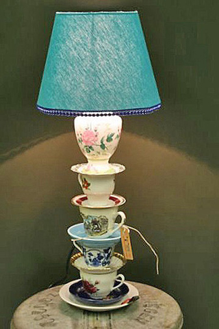 teacup lamp- DIYscoop.com