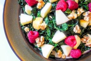 apple-raspberries-kale-salad